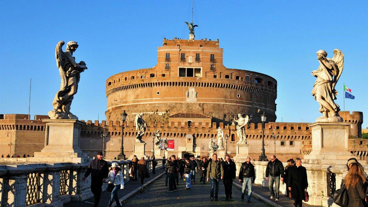 Unusual Vatican  Guidaly